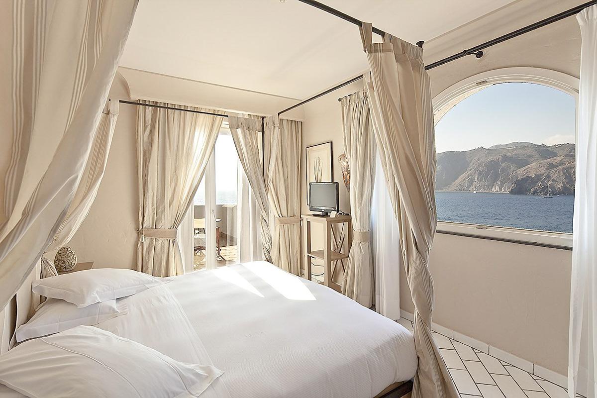 Therasia Resort, suit Lipari