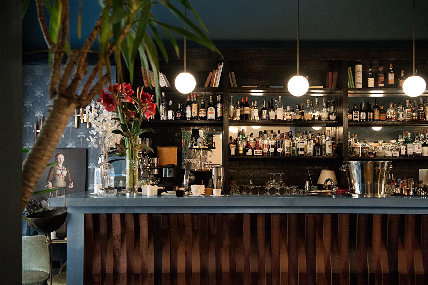 Il bancone del bar di Gurdulù, in Santo Spirito, Firenze