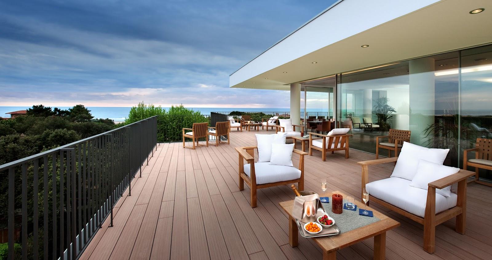 Vista della terrazza del ristorante. La terrazza più alta di Forte dei Marmi